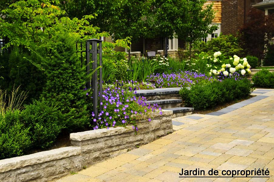 jardin design zen japonais moderne un jardin pas comme les autres. Black Bedroom Furniture Sets. Home Design Ideas