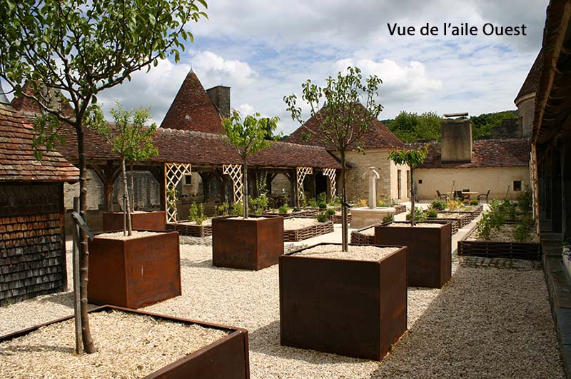 15.vue-chateau-jardin-medieval